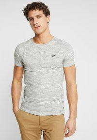 TOM TAILOR DENIM - Basic T-shirt - ecru/new space dye white - 0