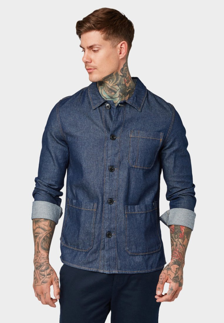 TOM TAILOR DENIM - MIT TASCHEN - Shirt - rinsed blue denim