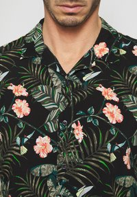 TOM TAILOR DENIM - BOTANICAL HAWAI  - Shirt - green - 5