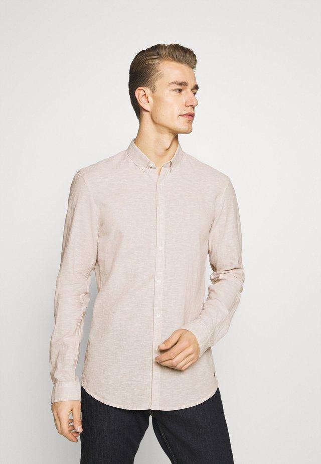 LONGSLEEVE - Hemd - fog beige/white