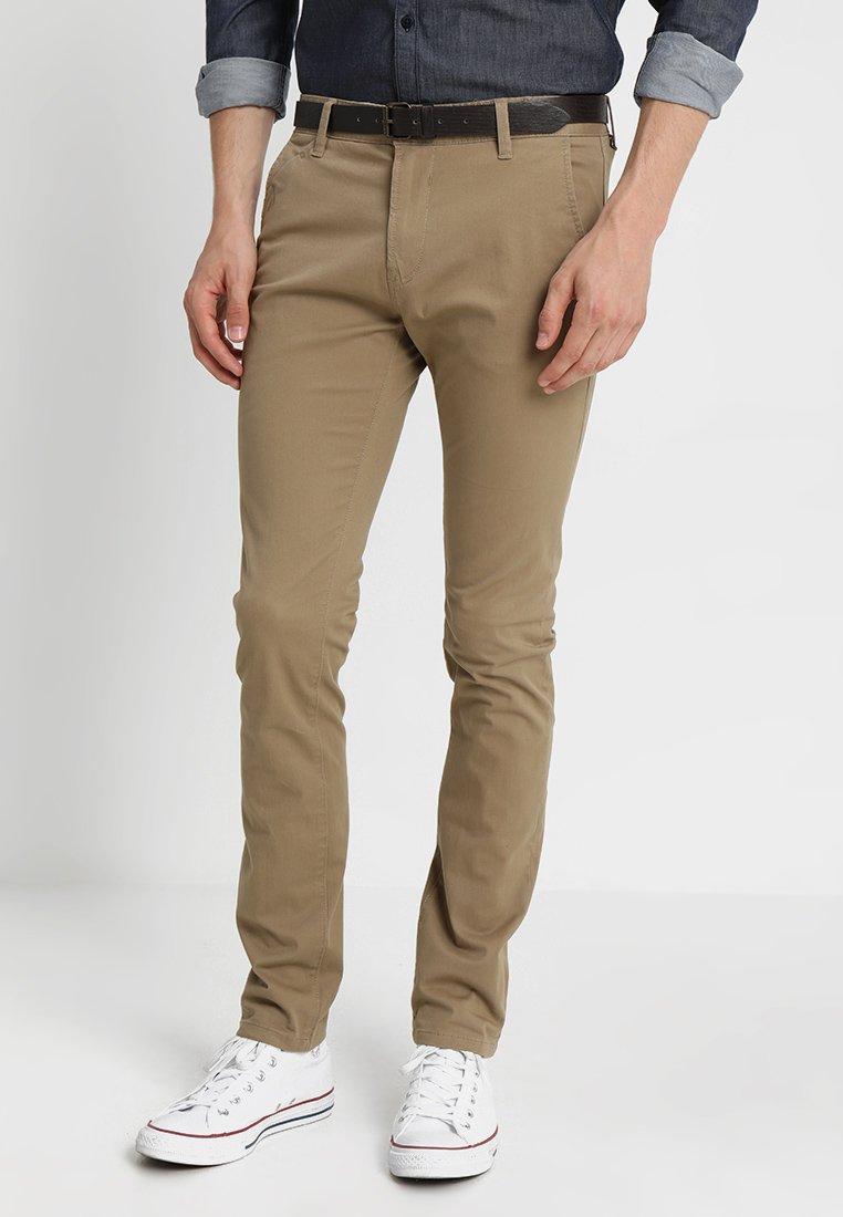 TOM TAILOR DENIM - WITH BELT PANTS - Kangashousut - honey camel beige