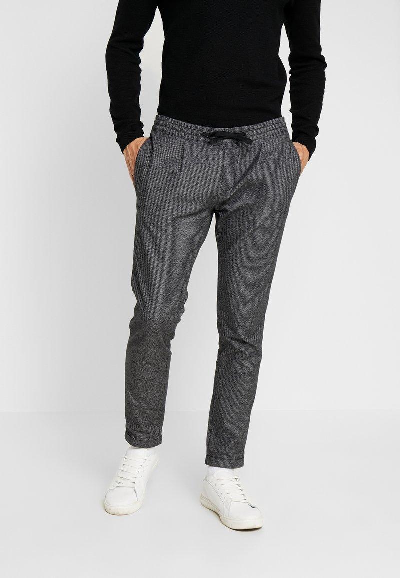 TOM TAILOR DENIM - JOGGER - Pantalones - grey