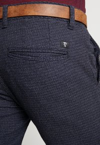 TOM TAILOR DENIM - STRUCTURED - Chino - navy grindel - 5
