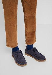 TOM TAILOR DENIM - RELAXED CHINO - Pantalones - light oak - 5