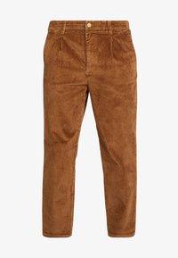 TOM TAILOR DENIM - RELAXED CHINO - Pantalones - light oak - 6