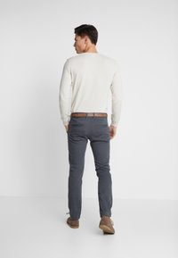 TOM TAILOR DENIM - STRUCTURED - Chinos - black/grey - 2