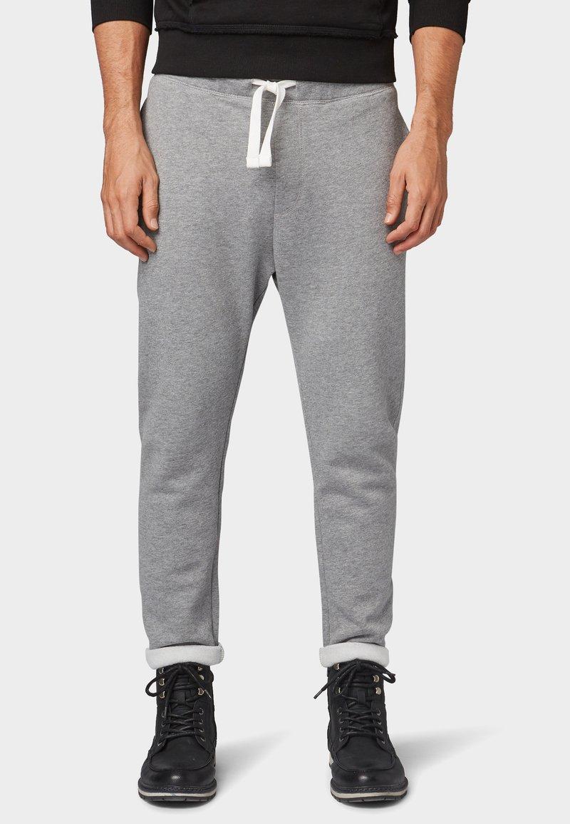 TOM TAILOR DENIM - Pantalon de survêtement - middle grey mélange