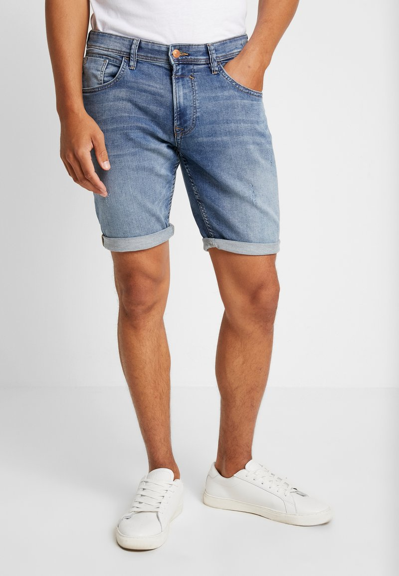 TOM TAILOR DENIM - Jeans Shorts - destroyed light stone blue denblue