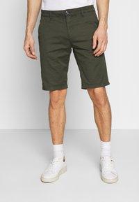 TOM TAILOR DENIM - CHINO SHORTS - Shorts - woodland green - 0