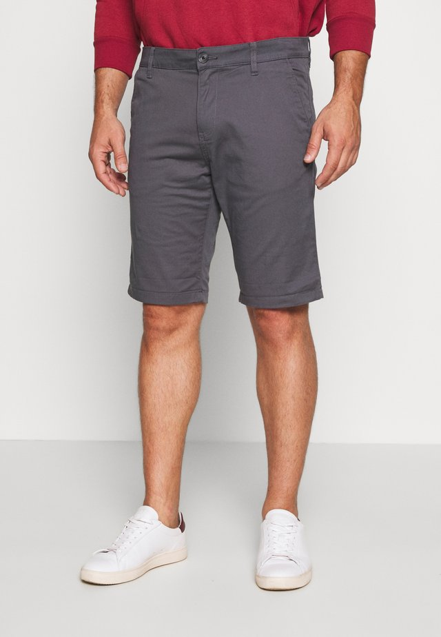 CHINO SHORTS - Kraťasy - urban medium grey