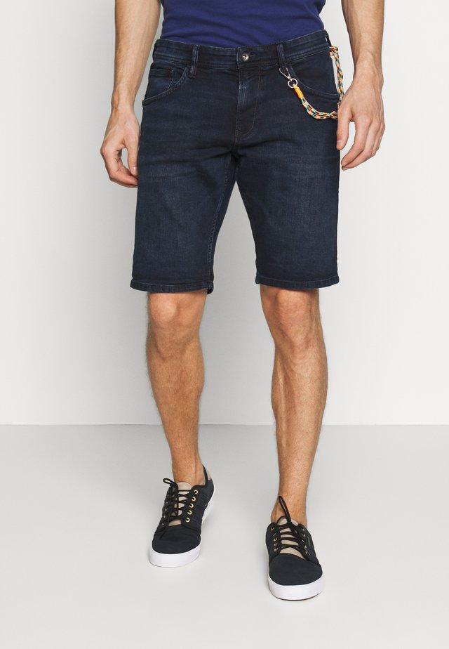 REGULAR FIT - Jeans Shorts - blue/black denim