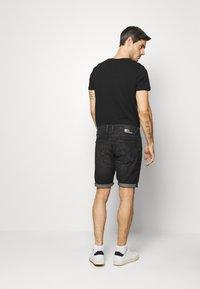 TOM TAILOR DENIM - Shorts di jeans - dark stone/black denim - 2