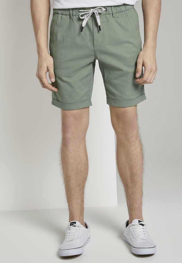 TOM TAILOR DENIM HOSEN & CHINO CHINO SHORTS - Shorts - dusty leave green