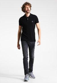 TOM TAILOR DENIM - CULVER  - Slim fit jeans - dark stone black denim - 1
