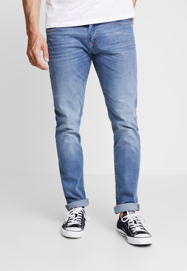 PIERS STRETCH - Džíny Slim Fit - mid stone wash denim blue