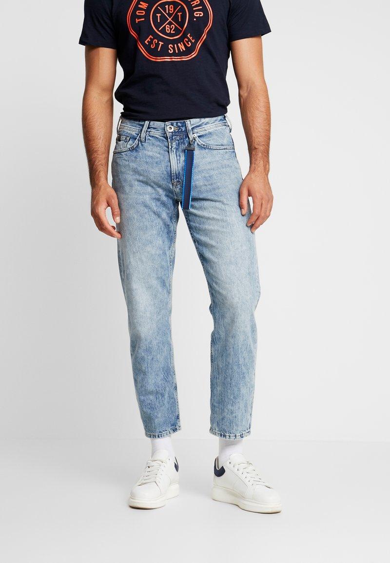 TOM TAILOR DENIM - 90S  - Jeans Relaxed Fit - used light stone blue denim