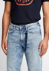 TOM TAILOR DENIM - 90S  - Jeans Relaxed Fit - used light stone blue denim - 5