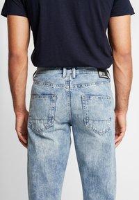 TOM TAILOR DENIM - 90S  - Jeans Relaxed Fit - used light stone blue denim - 3