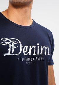 TOM TAILOR DENIM - CREWNECK TEE - T-shirt con stampa - night sky blue - 3