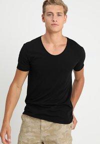 TOM TAILOR DENIM - V-NECK TEE - T-shirt basique - black - 0
