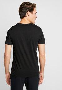 TOM TAILOR DENIM - 2 PACK - T-shirt - bas - black - 2