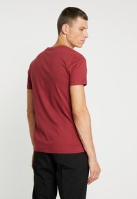 TOM TAILOR DENIM - T-shirt con stampa - fathers pipe red - 2