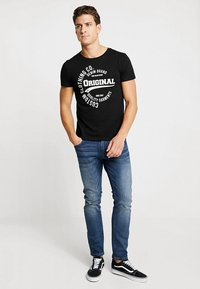 TOM TAILOR DENIM - T-shirt con stampa - black - 1