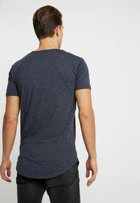 TOM TAILOR DENIM - T-shirt print - deep burgundy red - 2