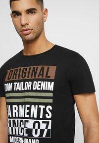 TOM TAILOR DENIM - T-shirt print - black - 4