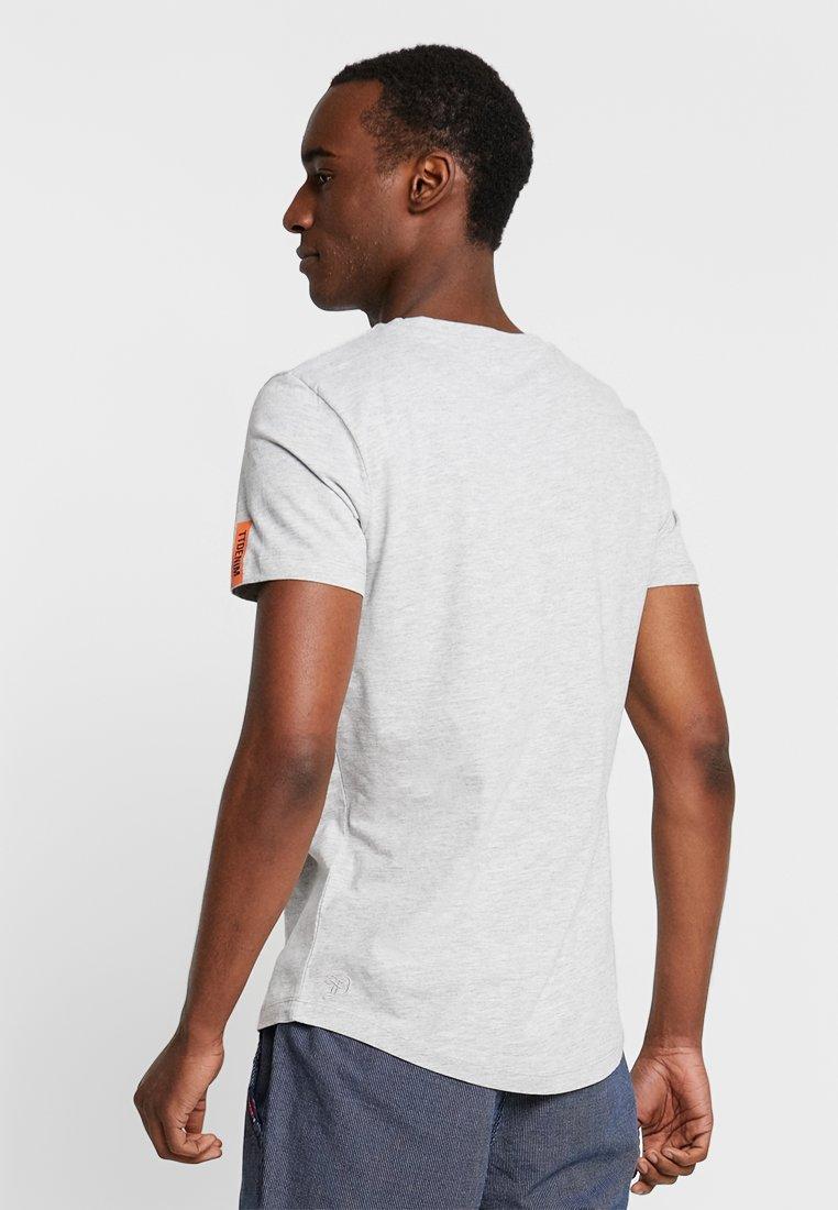 TOM TAILOR DENIM WASHED - T-shirt imprimé mediterranean grey melange