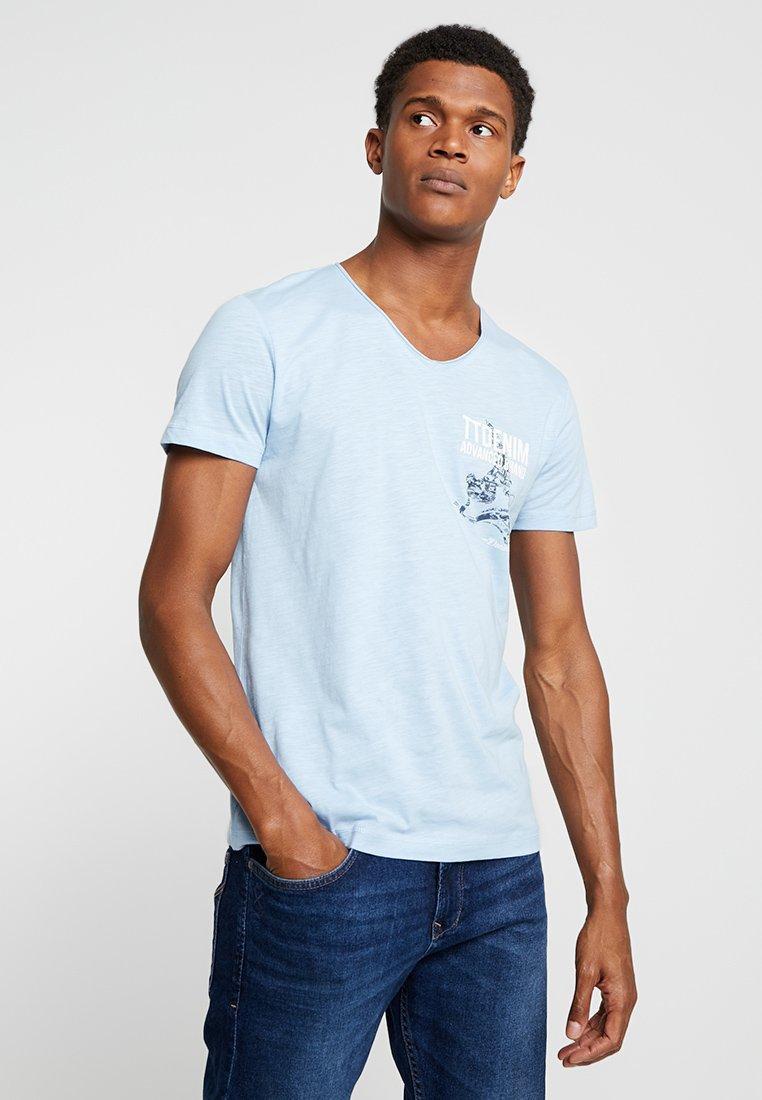 Tailor T ImpriméSoft Blue Denim Tom shirt Powder 67gybf