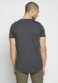 TOM TAILOR DENIM - LONG BASIC WITH LOGO - T-shirt basic - dark grey - 2