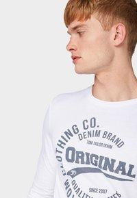 TOM TAILOR DENIM - Long sleeved top - white - 3