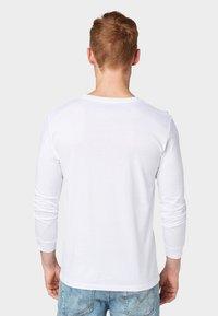 TOM TAILOR DENIM - Long sleeved top - white - 2