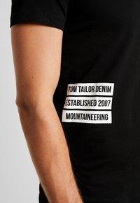 TOM TAILOR DENIM - T-shirt med print - black - 5