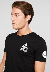 TOM TAILOR DENIM - T-shirt med print - black - 3