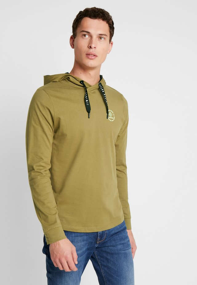 HOODED LONGSLEEVE - Mikina s kapucí - faded moss green