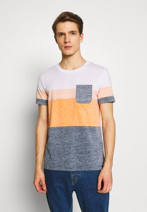 TEE WITH INSIDE PRINTED STRIPE - Print T-shirt - sky captain blue