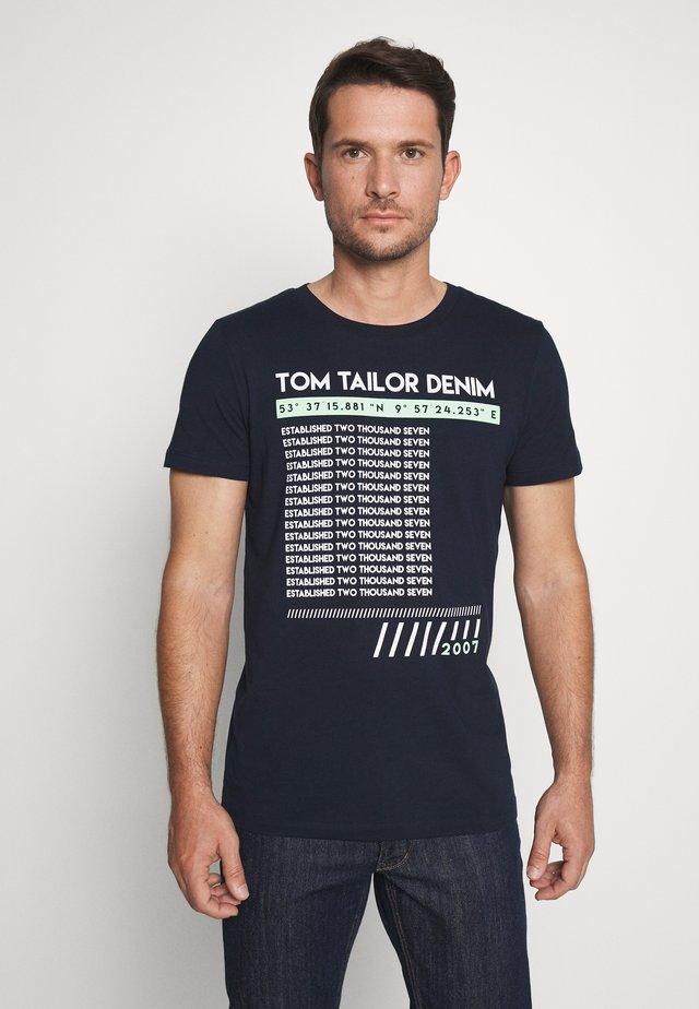PRINT - Print T-shirt - sky captain blue