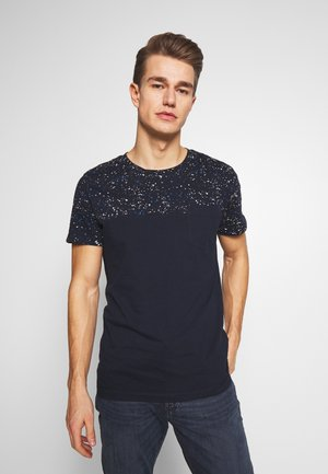 CUTLINE WITH PRINTMIX - Print T-shirt - sky captain blue
