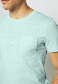 TOM TAILOR DENIM - STRUCTURED  - Print T-shirt - small blue - 5