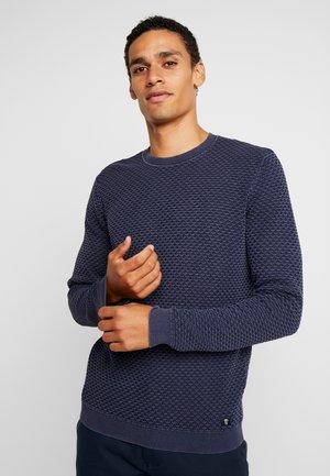 STRUCTURED CREWNECK - Stickad tröja - cosmos blue