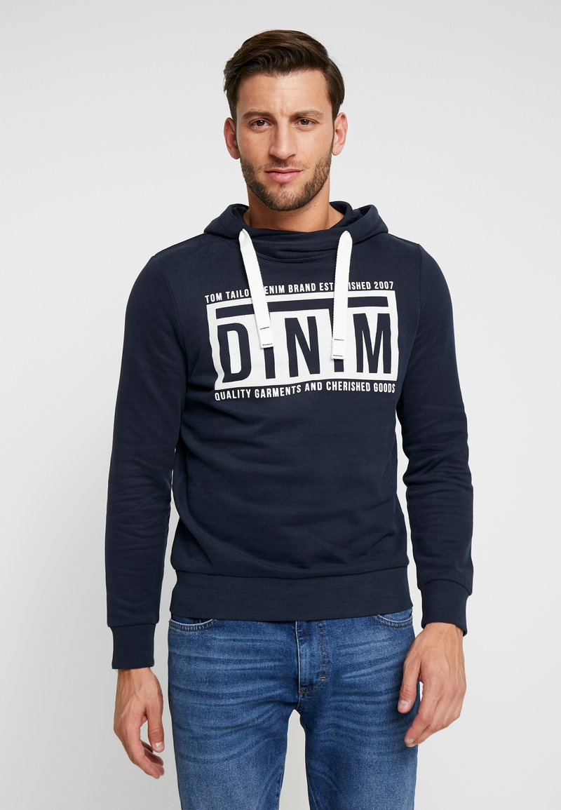 TOM TAILOR DENIM - HOODY CHESTPRINT - Mikina s kapucí - sky captain blue