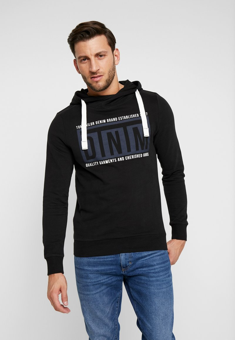 TOM TAILOR DENIM - HOODY CHESTPRINT - Jersey con capucha - black