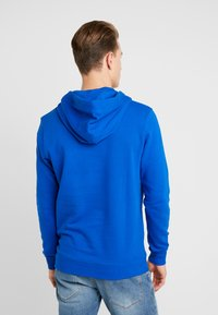 TOM TAILOR DENIM - HOODIE CHESTPRINT - Mikina s kapucí - bright king blue - 2