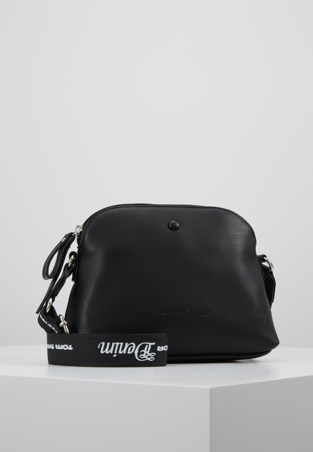 MAIA - Across body bag - black
