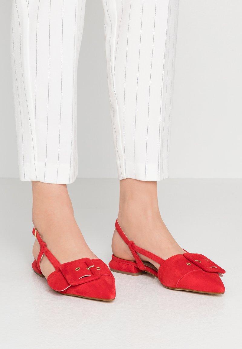 Tosca Blu - LINEA DOMINA - Slingback ballet pumps - rosso