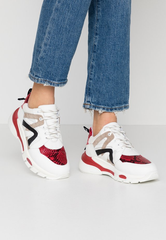 MAGNOLIA - Sneakers laag - rosso