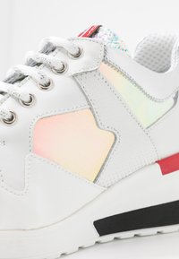 Tosca Blu - PRIMULA - Sneakers - argento - 2