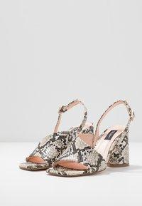 Tosca Blu - MAIORCA - Korolliset sandaalit - bianco - 4